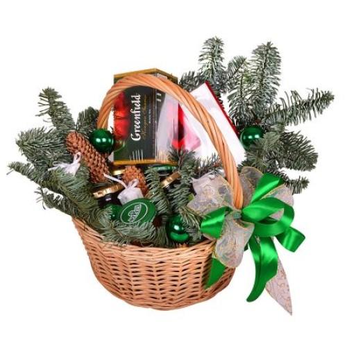 Купить на заказ Заказать Корзина «Подарок под елку» с доставкой по Павлодару  с доставкой в Павлодаре
