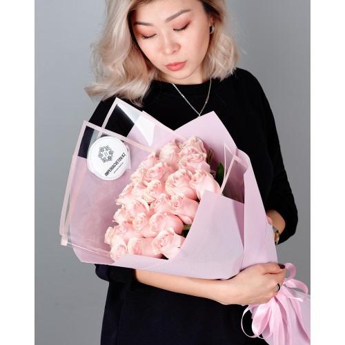 Купить на заказ Заказать Букет из 25 розовых роз с доставкой по Павлодару  с доставкой в Павлодаре