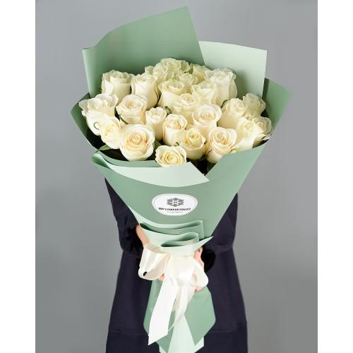 Купить на заказ Заказать Букет из 25 белых роз с доставкой по Павлодару  с доставкой в Павлодаре