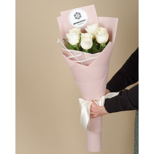 Купить на заказ Заказать Букет из 5 роз с доставкой по Павлодару  с доставкой в Павлодаре