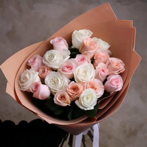 Купить на заказ Заказать Букет из 21 розы (микс) с доставкой по Павлодару  с доставкой в Павлодаре