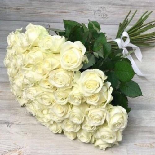 Купить на заказ Заказать Букет из 51 белой розы с доставкой по Павлодару  с доставкой в Павлодаре