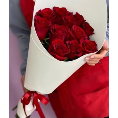 Купить на заказ Букет из 11 красных роз с доставкой в Павлодаре