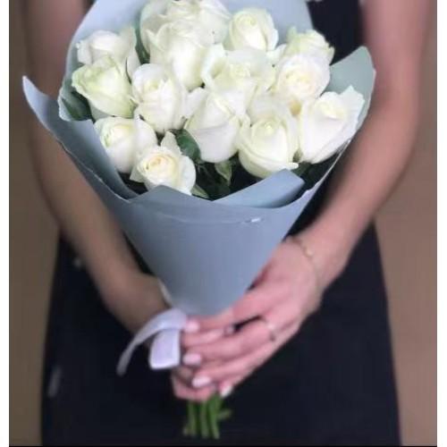 Купить на заказ Заказать 15 белых роз с доставкой по Павлодару  с доставкой в Павлодаре